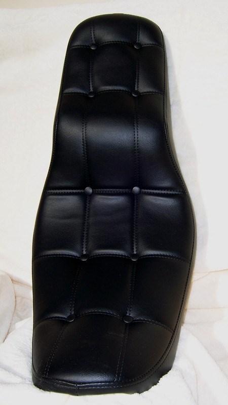 Button Pleat Cruiser Seat